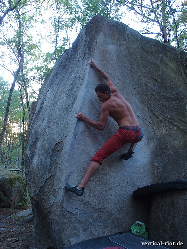Five Ten Hiangle Test in Fontainebleau