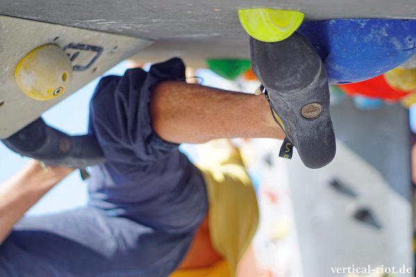 Kletterschuhe wiederbesohlen ist die Alternative zum Neukauf.